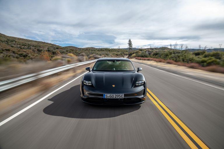 2020 Porsche Taycan 4S 570594