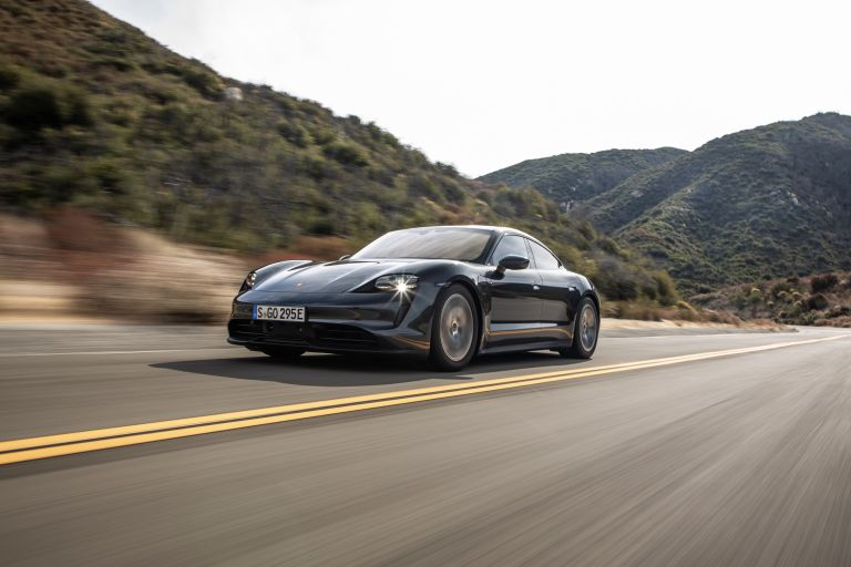 2020 Porsche Taycan 4S 570595
