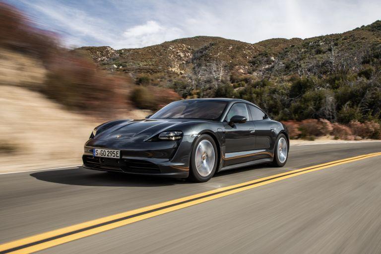 2020 Porsche Taycan 4S 570598