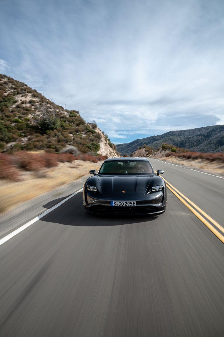 2020 Porsche Taycan 4S 570600