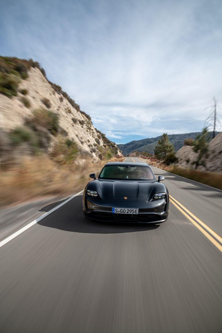 2020 Porsche Taycan 4S 570601