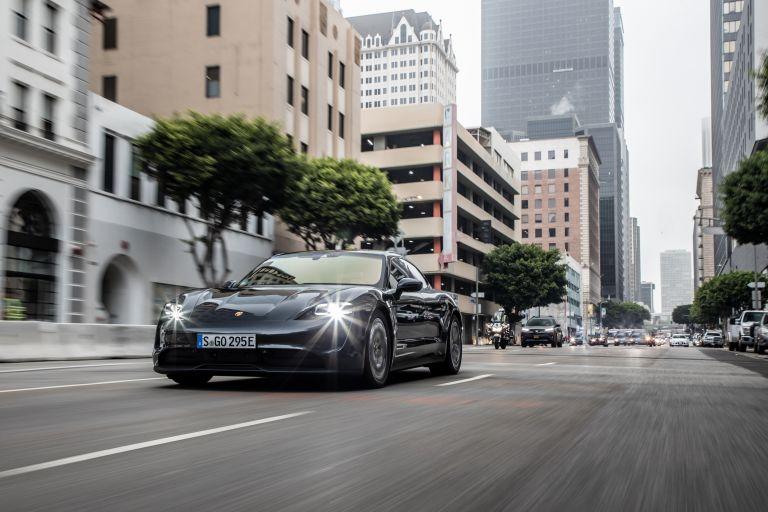 2020 Porsche Taycan 4S 570617