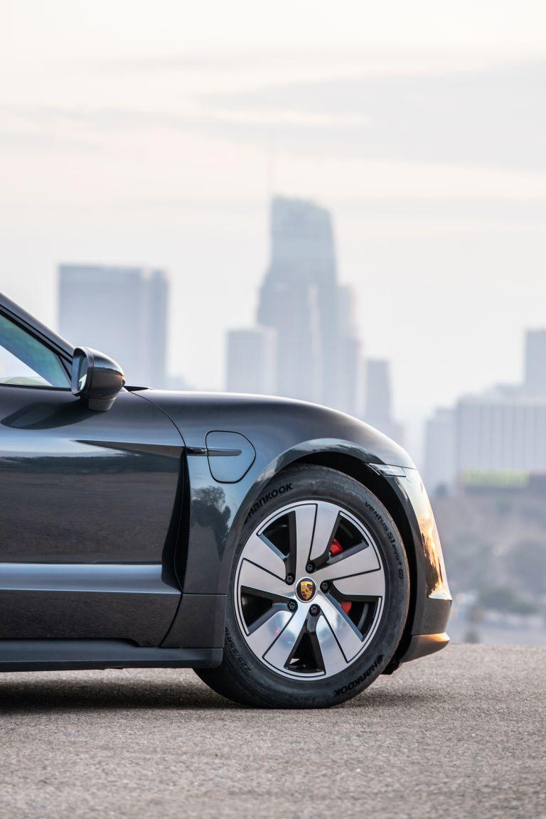 2020 Porsche Taycan 4S 570626