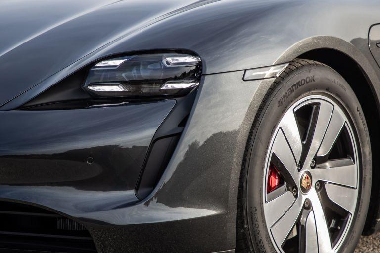 2020 Porsche Taycan 4S 570630