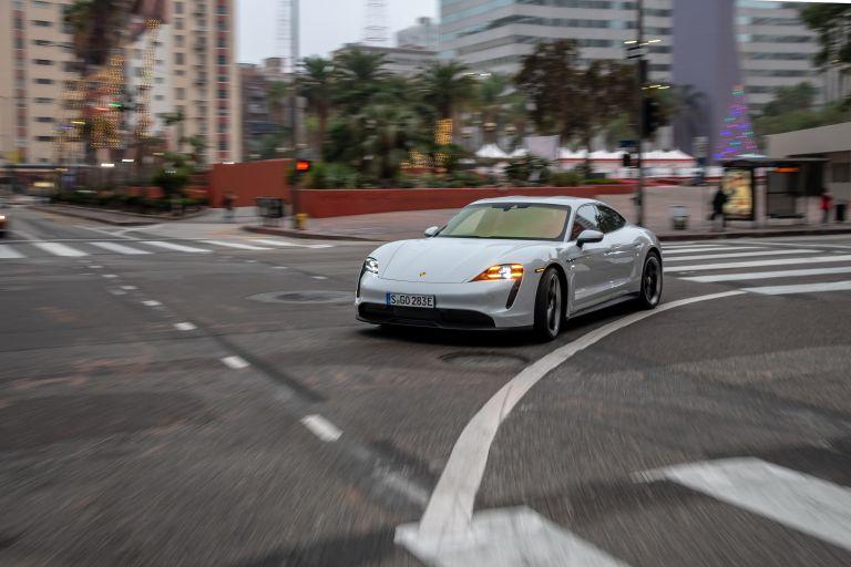 2020 Porsche Taycan 4S 570695