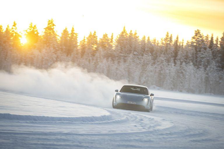 2020 Porsche Taycan 4S 570792