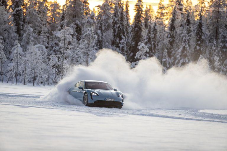 2020 Porsche Taycan 4S 570794