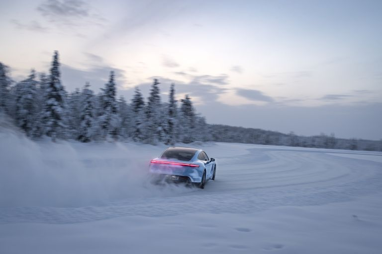 2020 Porsche Taycan 4S 570800