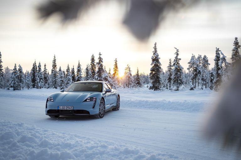 2020 Porsche Taycan 4S 570805