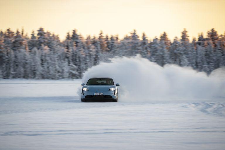 2020 Porsche Taycan 4S 570810