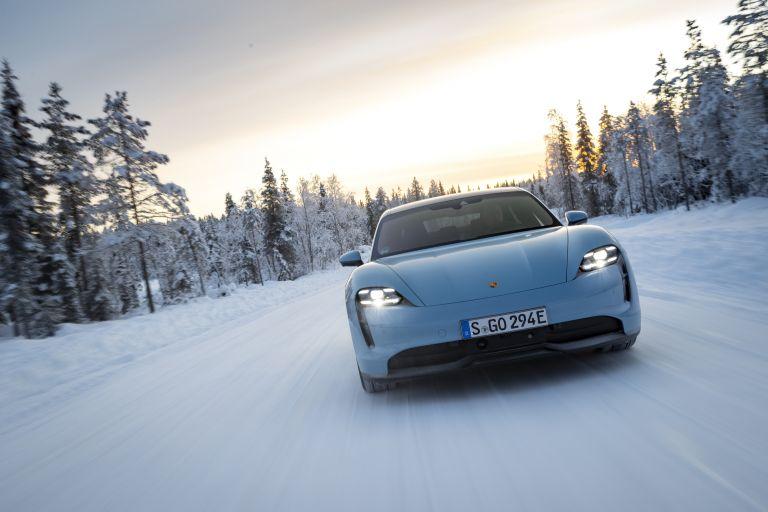 2020 Porsche Taycan 4S 570815
