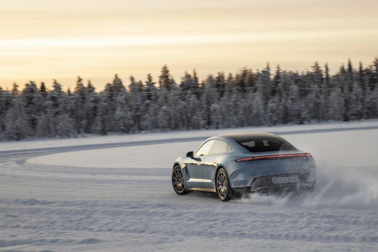 2020 Porsche Taycan 4S 570826
