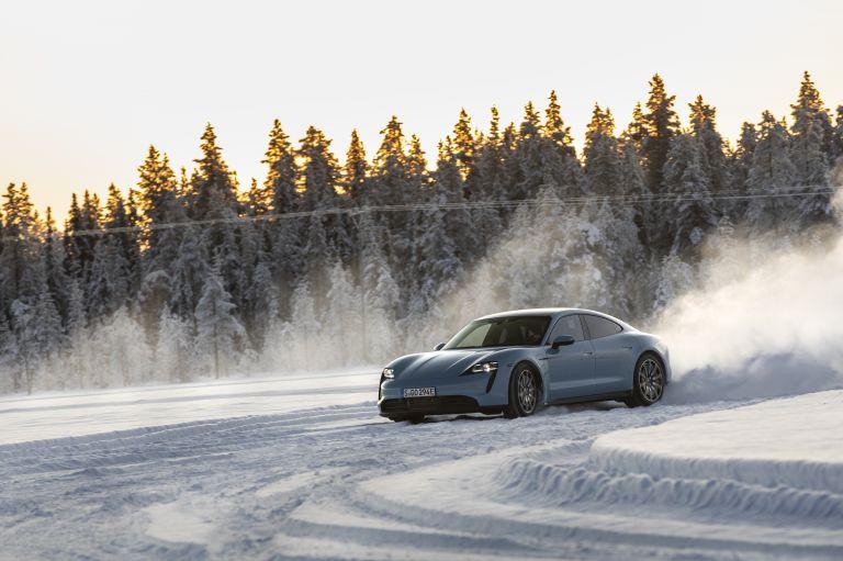 2020 Porsche Taycan 4S 570845