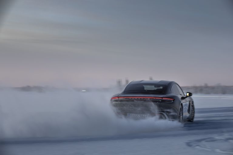 2020 Porsche Taycan 4S 570858