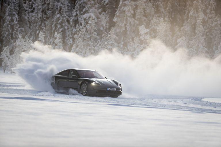 2020 Porsche Taycan 4S 570885