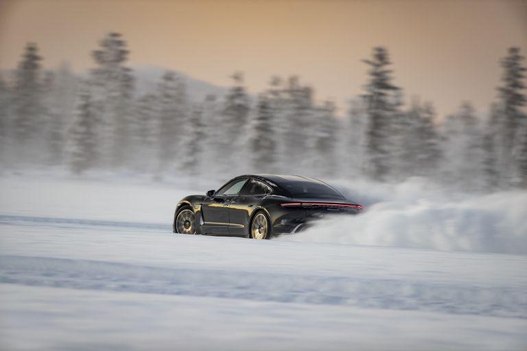 2020 Porsche Taycan 4S 570886
