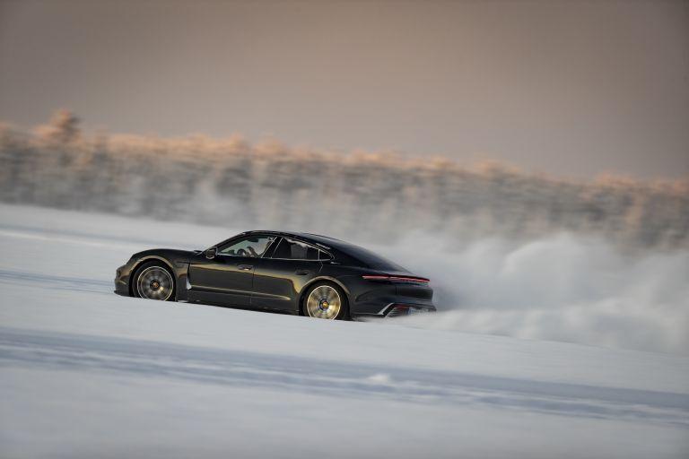 2020 Porsche Taycan 4S 570888