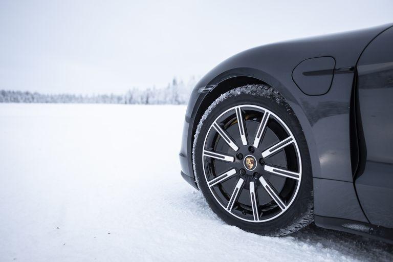 2020 Porsche Taycan 4S 570891