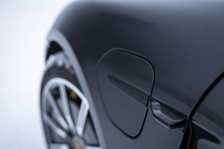 2020 Porsche Taycan 4S 570892