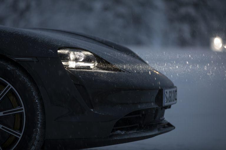 2020 Porsche Taycan 4S 570895