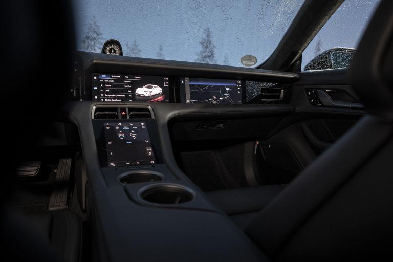 2020 Porsche Taycan 4S 570900