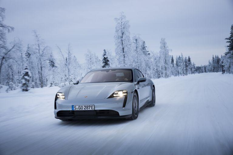 2020 Porsche Taycan 4S 570911