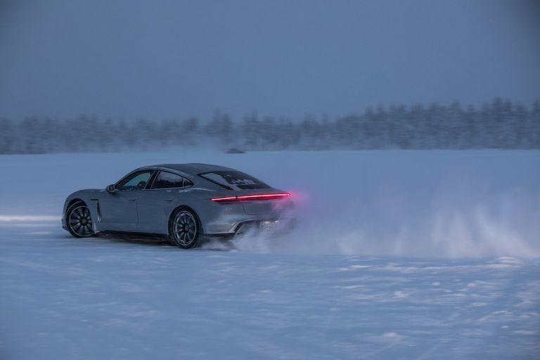 2020 Porsche Taycan 4S 570914