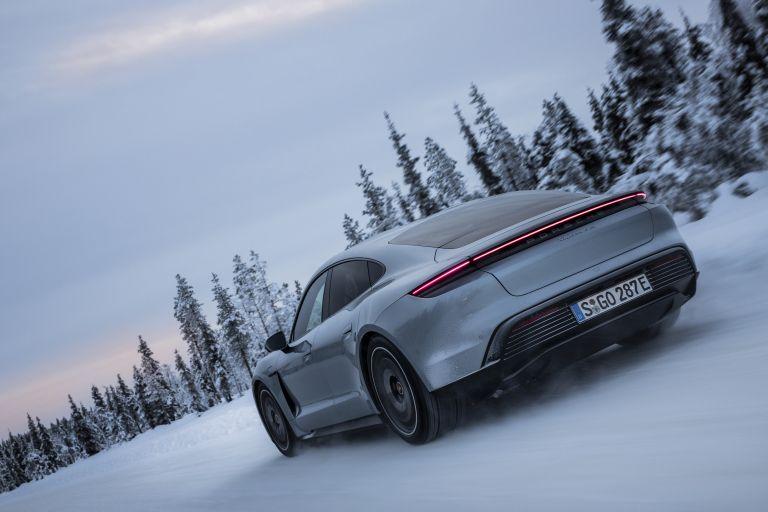 2020 Porsche Taycan 4S 570915