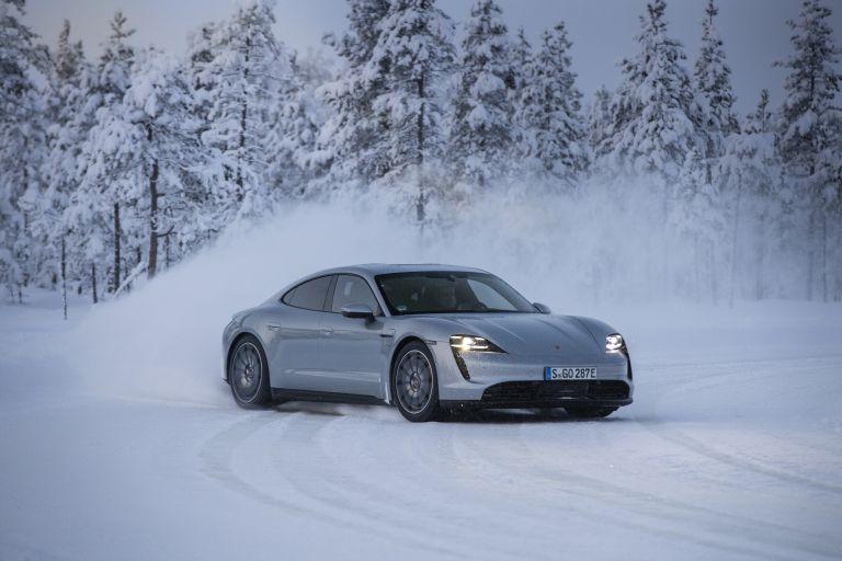 2020 Porsche Taycan 4S 570920