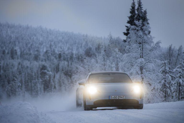 2020 Porsche Taycan 4S 570921