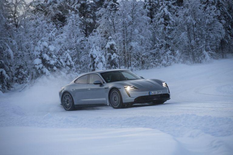 2020 Porsche Taycan 4S 570926