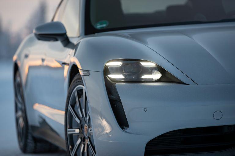 2020 Porsche Taycan 4S 570948