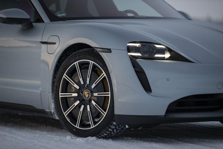 2020 Porsche Taycan 4S 570949