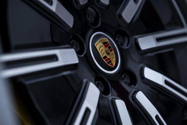 2020 Porsche Taycan 4S 570952