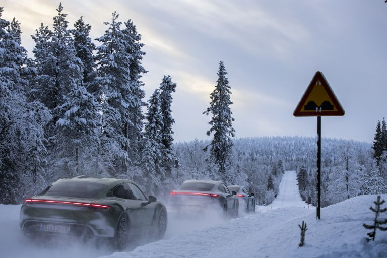 2020 Porsche Taycan 4S 570970