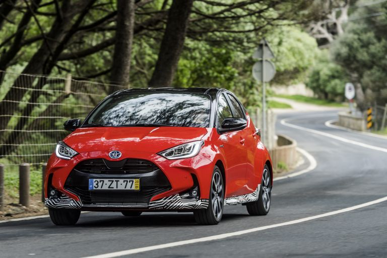 2020 Toyota Yaris hybrid 576938