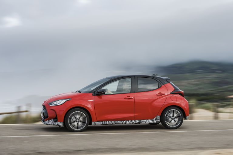 2020 Toyota Yaris hybrid 576956