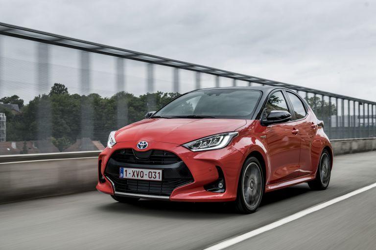 2020 Toyota Yaris hybrid 593290