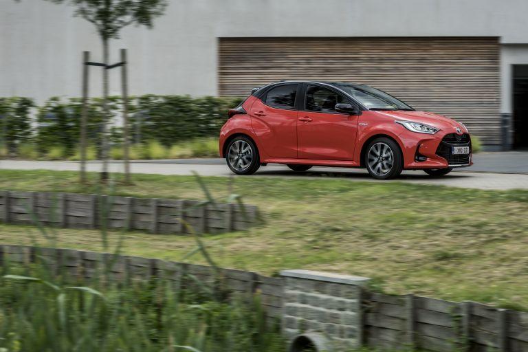 2020 Toyota Yaris hybrid 593306