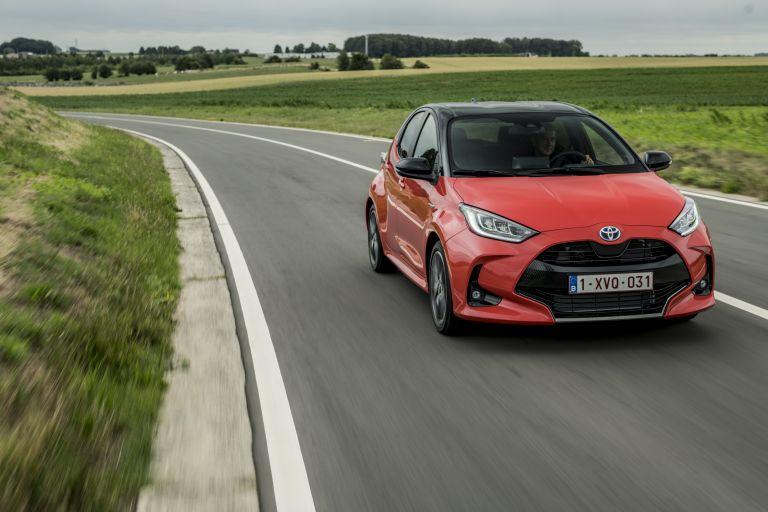 2020 Toyota Yaris hybrid 593331