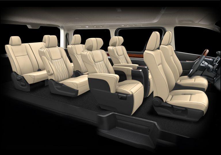 2020 Toyota GranAce 565634