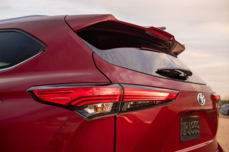 2020 Toyota Highlander Platinum Hybrid AWD 573179