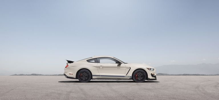 2020 Ford Mustang Shelby GT350 with Heritage Edition Package 573235
