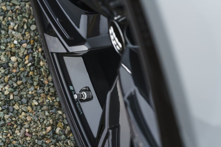 2020 Audi RS6 Avant - UK version 577409