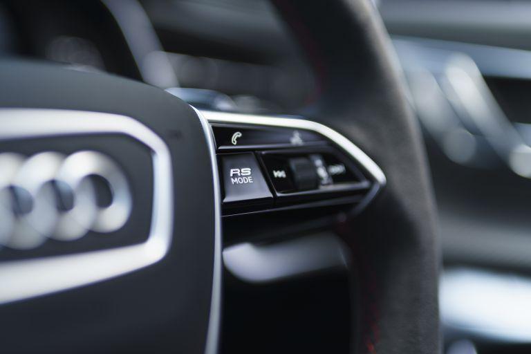 2020 Audi RS6 Avant - UK version 577431