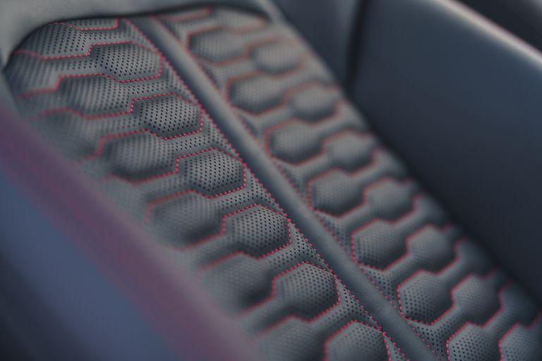 2020 Audi RS6 Avant - UK version 577456