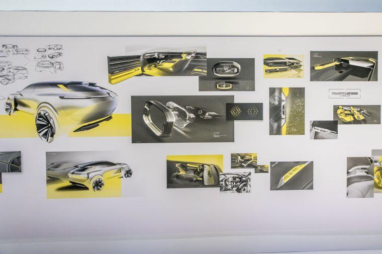 2020 Renault Morphoz concept 579555