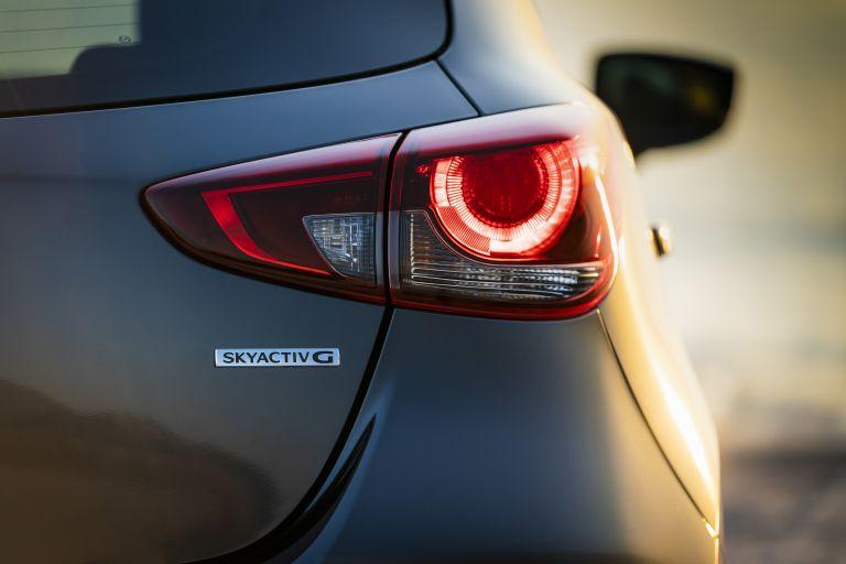 2020 Mazda 2 580858