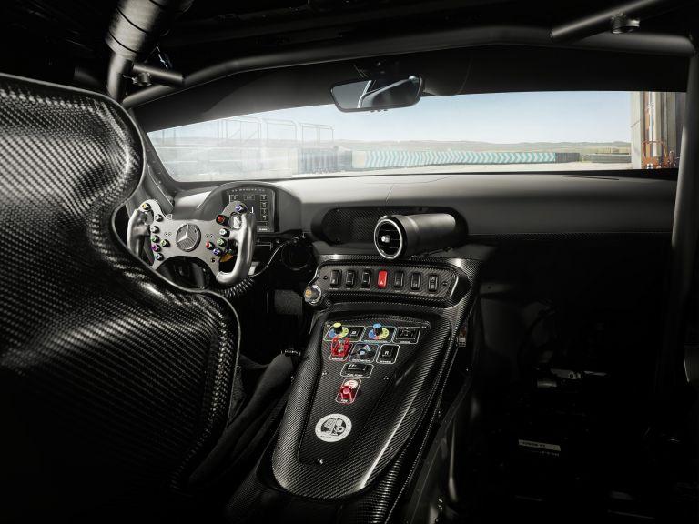 2020 Mercedes-AMG GT4 581530