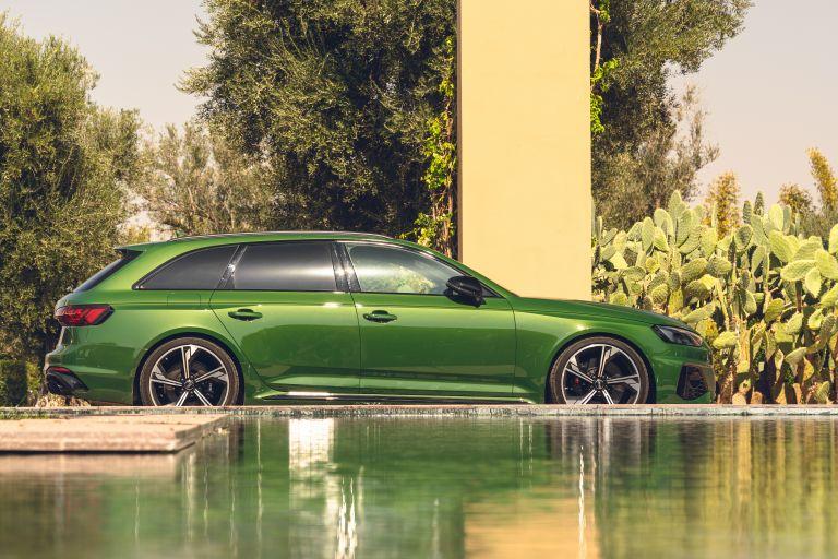 2020 Audi RS 4 Avant - UK version 581940